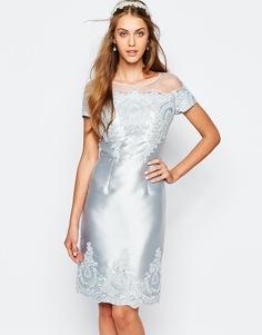 Платье-футляр миди с вышивкой и короткими рукавами Chi Chi London - Plein air