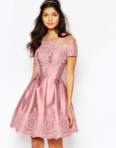 Платье миди с вышивкой и короткими рукавами Chi Chi London - Свадебная роза