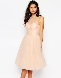 Платье миди с плиссированным лифом Chi Chi London - Телесный