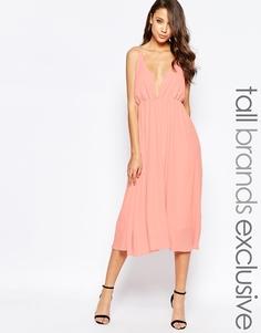 Короткое приталенное платье миди с декольте True Decadence Tall - Телесный