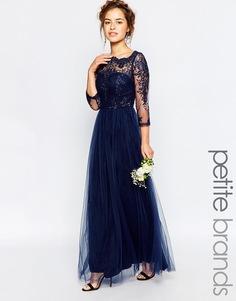 Платье макси с кружевом и широким вырезом Chi Chi London Petite - Темно-синий