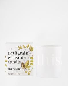 Свеча с ароматом петигрена и жасмина This Works 220 г - С ароматом петигрена и жасмина