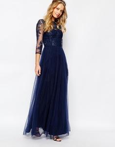 Кружевное платье макси с тюлевой юбкой Chi Chi London - Темно-синий