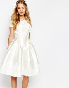Платье миди с вышивкой и короткими рукавами Chi Chi London - Кремовый