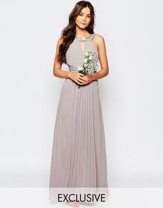 Плиссированное платье макси TFNC WEDDING - Опаловый серый
