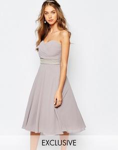 Платье для выпускного с запахом и отделкой TFNC WEDDING - Опаловый серый