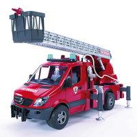 Пожарная машина с лестницей и помпой, звук. и свет. эффекты,  Bruder
