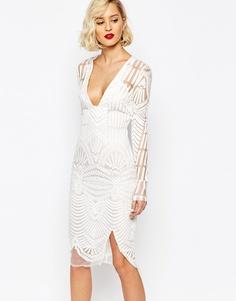 Платье миди с вышивкой и глубоким вырезом Lavish Alice - Белый