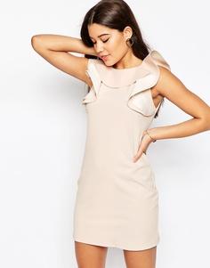 Цельнокройное платье с оборкой на горловине - Телесный Asos