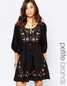 Свободное платье с вышитыми цветами Boohoo Petite - Черный