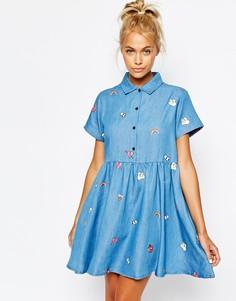 Джинсовое платье‑рубашка на пуговицах с нашивками Lazy Oaf - Синий