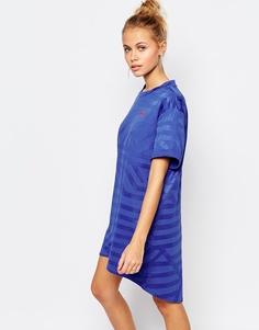 Платье-футболка в стиле oversize с небольшим логотипом Puma - Синий