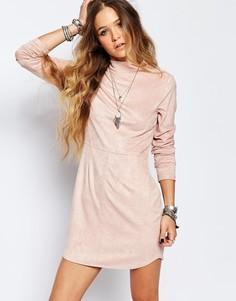 Облегающее платье мини с высоким воротом из искусственной замши ebonie n ivory - Розовый