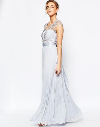 Светло-серое платье макси с плиссировкой Coast Lori Arlie - Светло-серый
