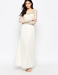 Платье макси с отделкой из кружева кроше и длинными рукавами Club L Occasion - Кремовый