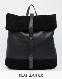 Рюкзак из замши и кожи с подвернутым клапаном ASOS - Черный
