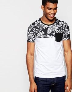 Облегающая футболка с монохромным цветочным принтом на кокетке и контрастным карманом ASOS - Белый