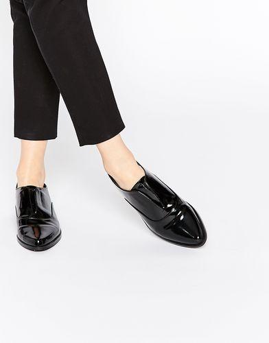 Туфли на плоской подошве с заостренным носком ASOS MATCH POINT - Черный