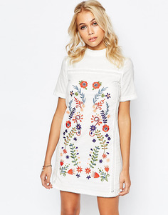 Цельнокройное платье с вышивкой Fashion Union - Кремовый