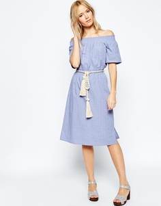 Платье с веревочным поясом и открытыми плечами ASOS - Мульти