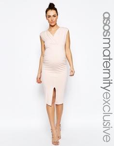 Облегающее платье миди с рюшами и разрезом ASOS Maternity - Blush