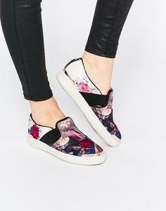Кроссовки-слипоны с цветочным принтом Ted Baker Laulei - Орнамент с завитками
