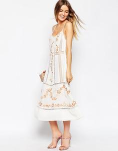 Платье миди на бретельках с вышивкой ASOS Premium - Белый
