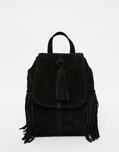Маленький замшевый рюкзак с кисточкой и бахромой ASOS - Черный