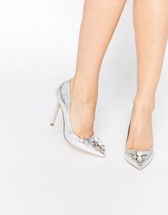Туфли на каблуке с острым носком и декоративной отделкой ASOS PRICELESS - Серебристый