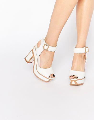 Белые сандалии на каблуке Kat Maconie Nina - Белый