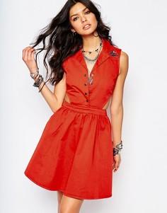 Джинсовое платье-рубашка с вырезами и вышивкой ласточки Noisy May - Красный
