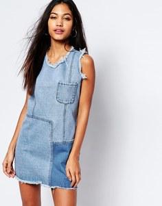 Джинсовое платье в стиле пэтчворк Boohoo - Синий