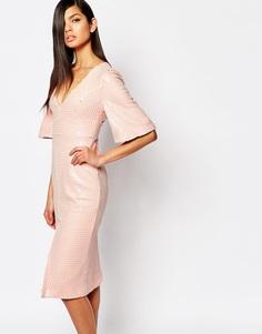 Нарядное платье-футляр с глубоким вырезом и пайетками The 8th Sign Luxe - Розово-телесный