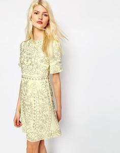 Цельнокройное платье с декоративной отделкой Needle & Thread - Лимонный