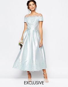 Платье с вышивкой и короткими цельнокройными рукавами Chi Chi London - Plein air
