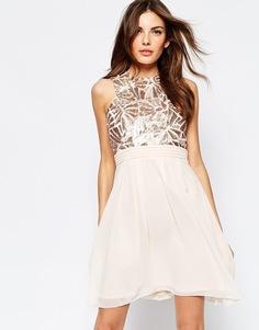Короткое приталенное платье с блестками на лифе Little Mistress - Телесный