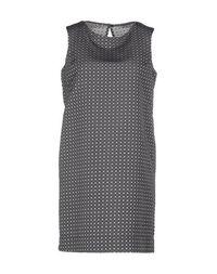 Короткое платье Maesta