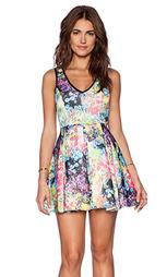 Приталенное и расклешенное платье - Lucca Couture