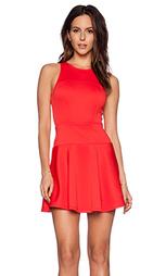 Приталенное и клешное платье - Eight Sixty