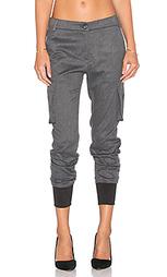 Джинсы бойфренд с карманами карго - James Jeans