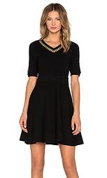 Приталенное и расклешенное платье - MILLY