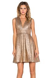 Платье с глубоким вырезом - Minty Meets Munt