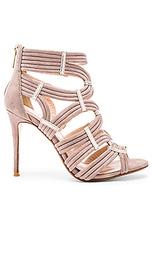 Туфли на каблуке britt - RAYE