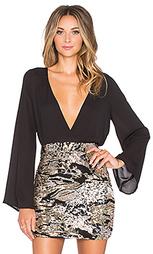 Блузка kaia bell sleeved surplus blouse - WYLDR