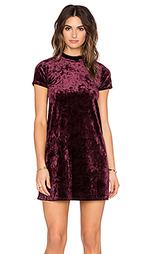 Бархатное платье с коротким рукавом - Eight Sixty