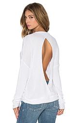 Утепленный пуловер с открытой спиной и длинным рукавом - Chaser