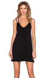 Платье-футболка с v-образным вырезом - BLQ BASIQ