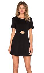 Платье солнцеклёш с вырезом - BLAQUE LABEL