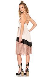 Платье миди chevron pleated - Lucca Couture