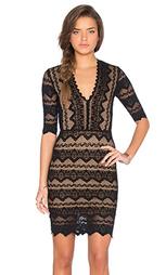 Кружевное платье с глубоким v-образным вырезом и рукавом 3/4 sierra - Nightcap